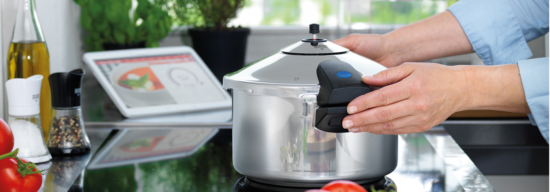 DUROMATIC COMFORT: Bluetooth enabled pressure cooker